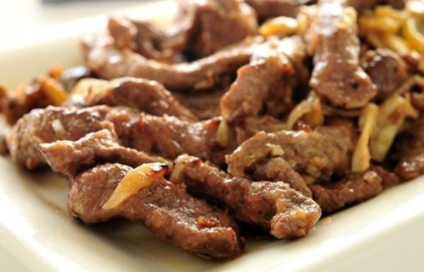 شرائح اللحم بصوص النشا والمشروم - وصفات أكل عربيه