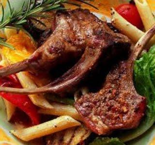 148 مائدة رمضان لليوم الأول الريش المتبلة وفطائر اللحم الشهية