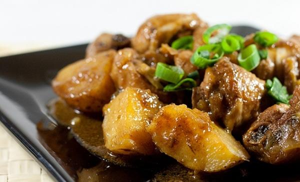 قالب البطاطس بشاورما اللحم والبشاميل