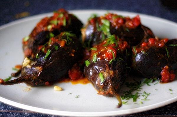الباذنجان المحشى بالفلفل الحار - وصفات أكل عربيه