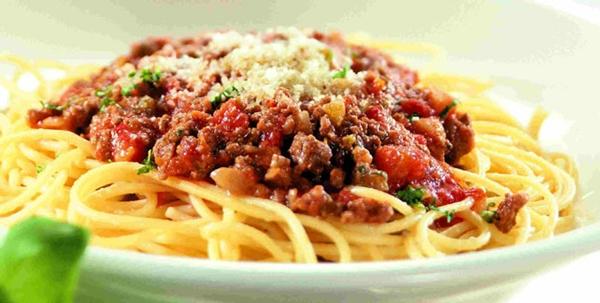 الاسباجيتى الرائعة باللحم المفروم والأوريجانو - وصفات أكل عربيه