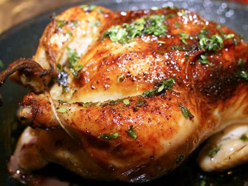 الدجاج المتبل بالزعتر والريحان