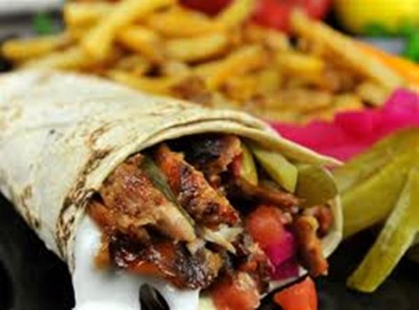 الساندويتش اللذيذ بحشو شاورما الدجاج بالخردل - وصفات أكل عربيه