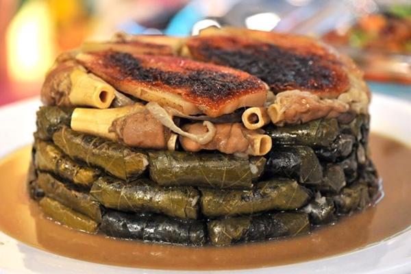 طريقة لذيذة لمحشى ورق العنب بالكوارع - وصفات أكل عربيه
