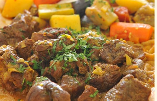 لحم الضأن بالخضراوات مع خبز المرقوق - وصفات أكل عربيه