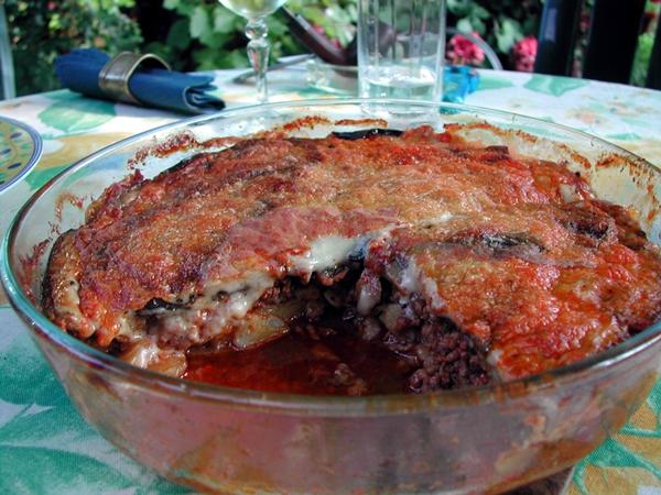 """المسقعة باللحمة المفرومة من مطبخ """"وصفات أكل عربية"""""""