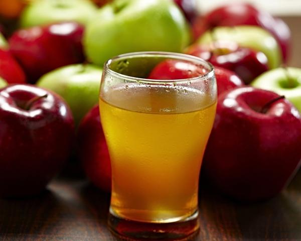 """سفرة رمضان لليوم الخامس عشر """" كانيلونى باللحم وبيتزا بالكفتة وشوربة الدجاج بالكريمة وعصير التفاح مع قطايف بالتمر """" - وصفات أكل عربيه"""