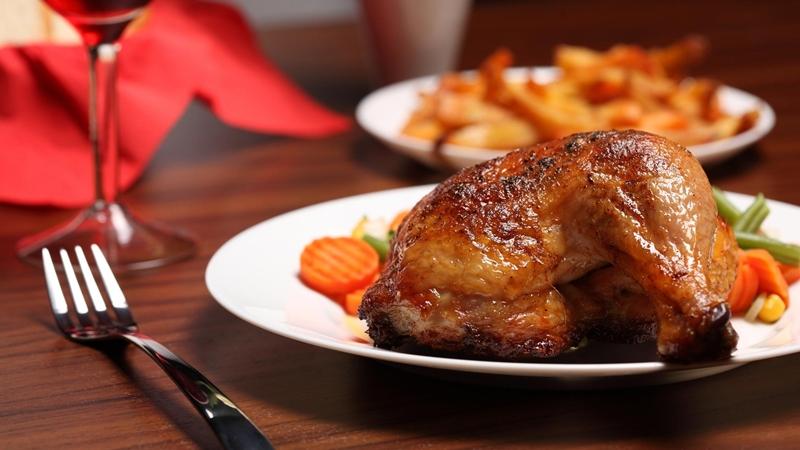 أوراك الدجاج المتبل مع خضار سوتيه