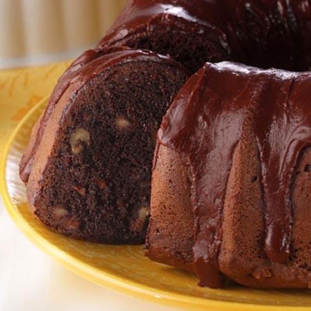 قالب الكيك بصوص الشيكولاة اللذيذ - وصفات أكل عربيه