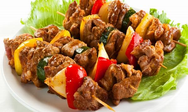 أسياخ اللحم والمشروم المشوى - وصفات أكل عربيه