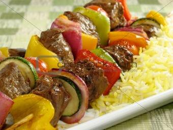 أصابع الكباب الشهية مع الأرز بالزعفران - وصفات أكل عربيه