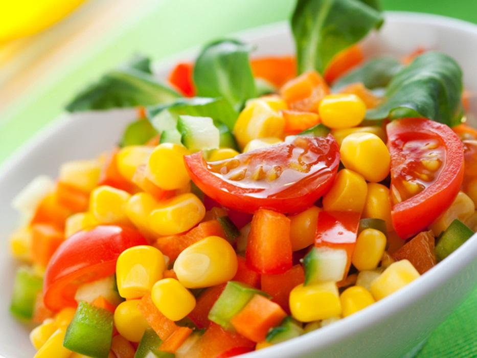 سلطة الذرة بالخضراوات - وصفات أكل عربيه