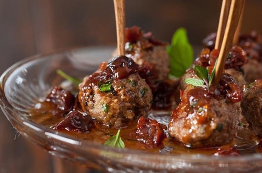 كفتة اللحم بالصنوبر مع بابا غنوج - وصفات أكل عربيه