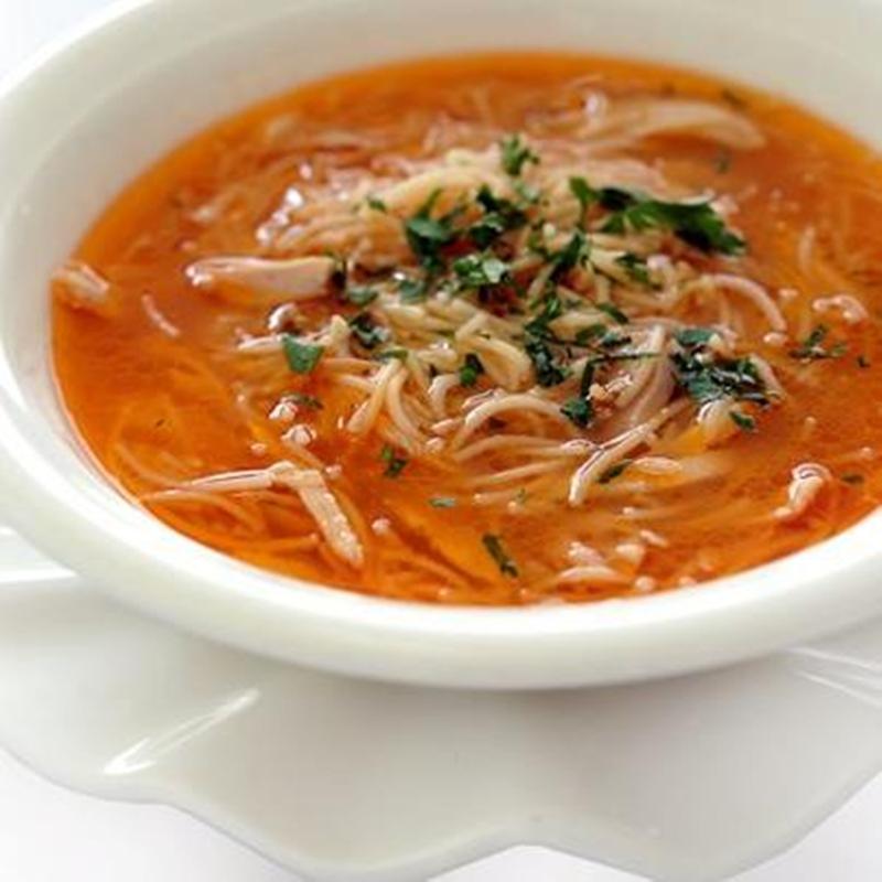 شوربة الطماطم بالشعرية والدجاج - وصفات أكل عربيه