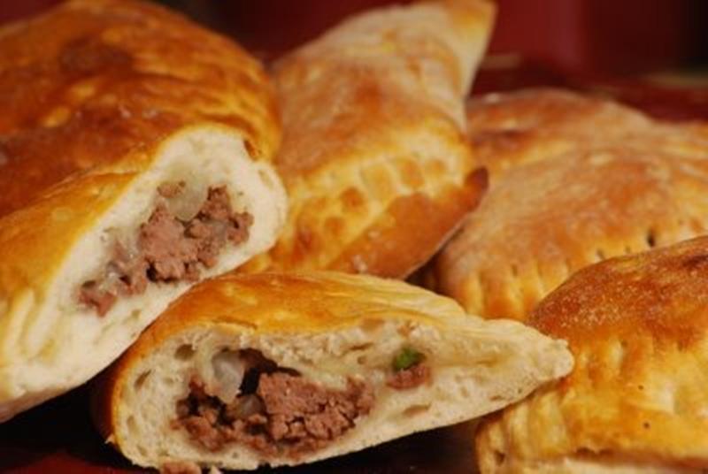 فطائر صغيرة بحشو اللحم والزعتر - وصفات أكل عربيه