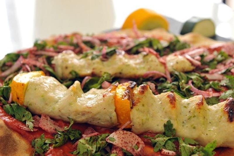 أسياخ كفتة الدجاج المشوية بصلصة الطماطم - وصفات أكل عربيه