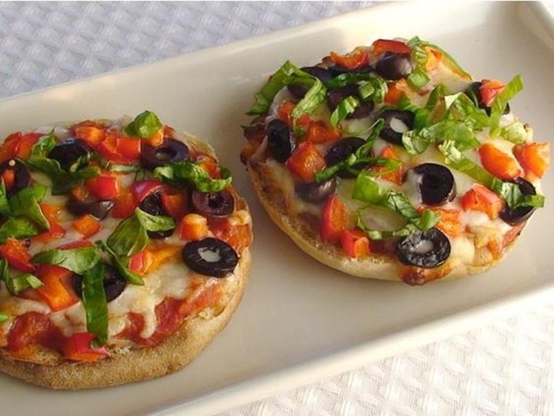 البيتزا الشهية بحشو التونة والزيتون - وصفات أكل عربيه